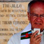 """Las beatificaciones que hará Francisco """"son casos inoportunos, cuestionables"""": Padre Giraldo"""