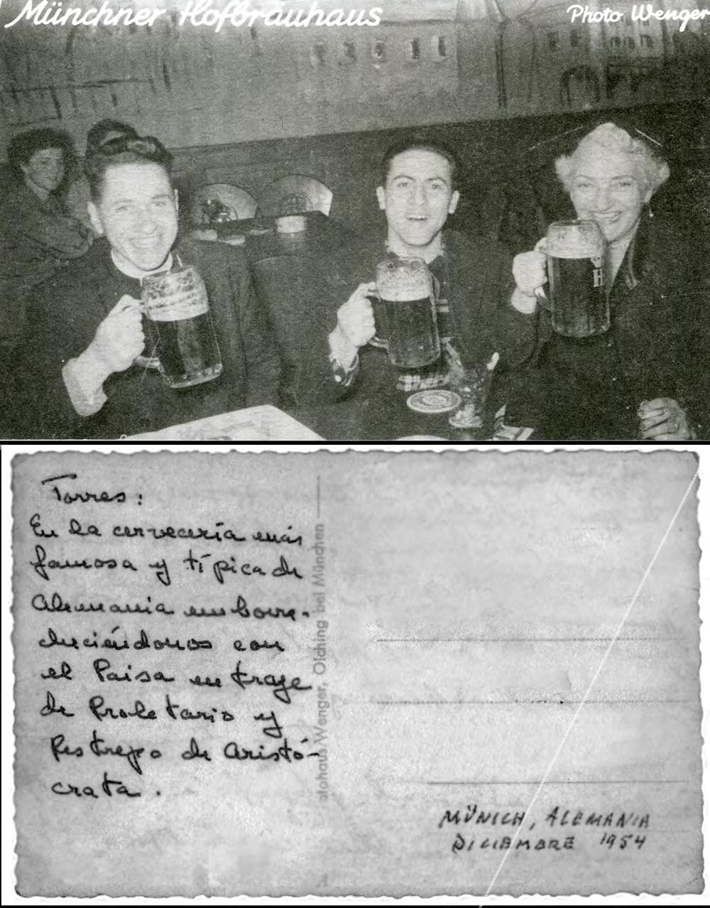 Postal enviada por Camilo a su padre. Isabel comparte una cerveza en Munich junto a Gustavo Pérez Ramírez y su hijo.