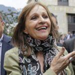 """""""Feminizar la política es hacer de la solidaridad una práctica cotidiana"""": una entrevista a Ángela María Robledo"""