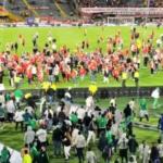 El show debe continuar: el fútbol con sangre y muerte es una corrida de toros